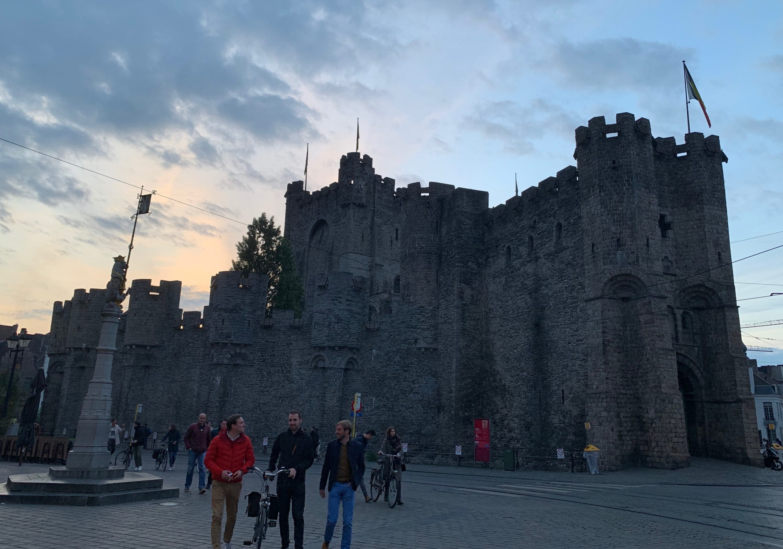 Visitar en Gante el castillo de los condes de flandes